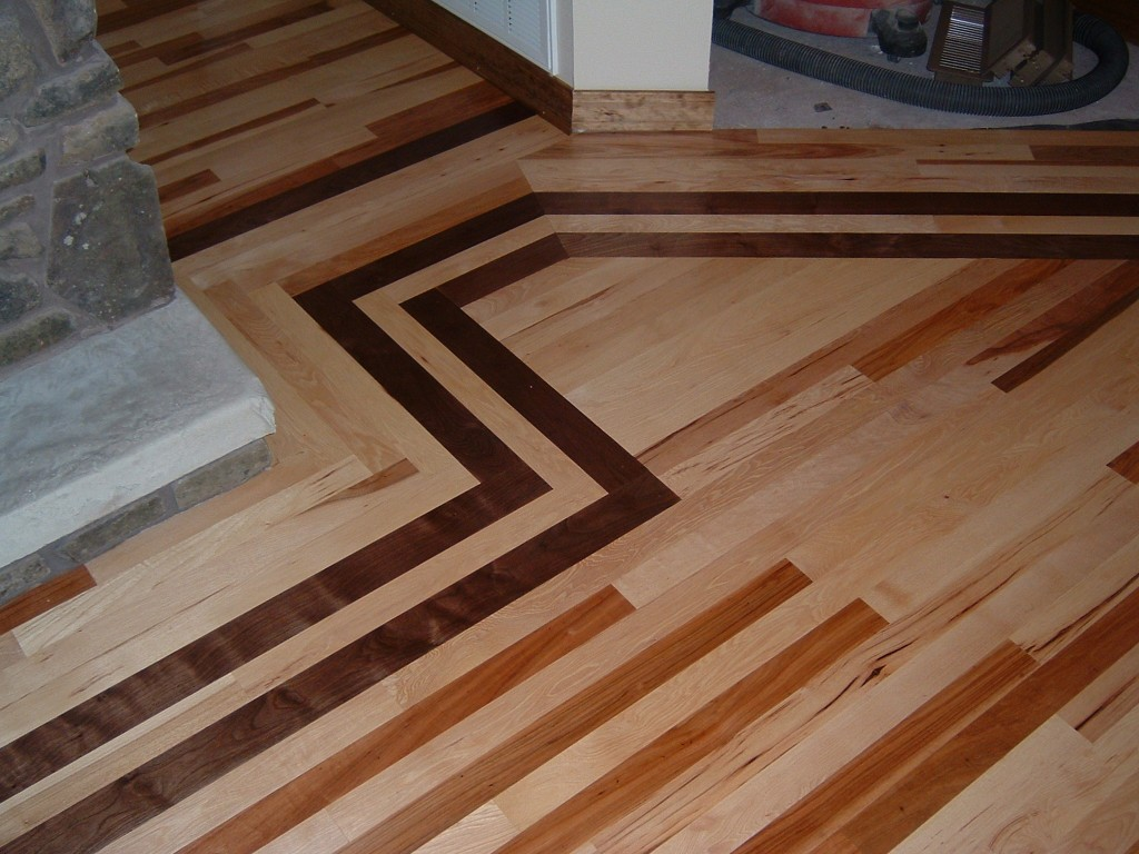 1 Hickory With A Walnut Border Ozark Hardwood Flooring