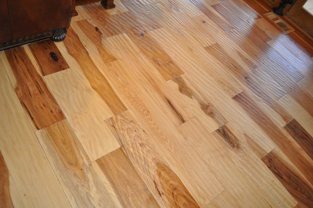 Hand scraped ozark hardwood flooring for Hardwood flooring nearby