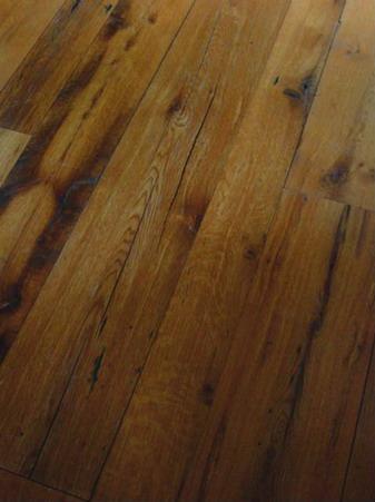 Distressed Reclaimed Red Oak