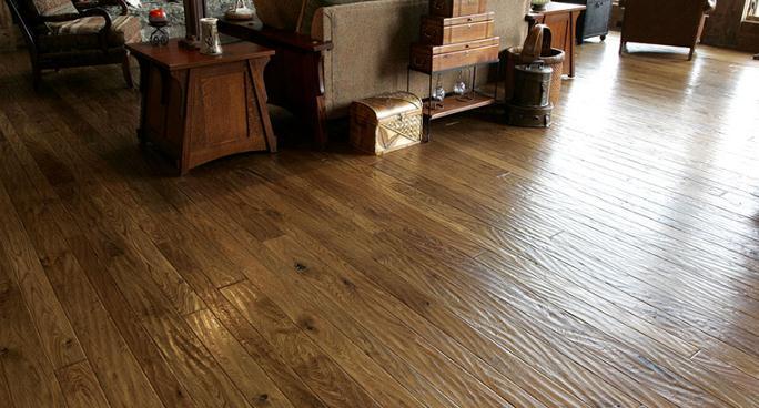 Hand Sed Walnut Floor White Oak